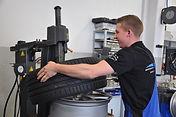 Reifenarbeiten2.jpg