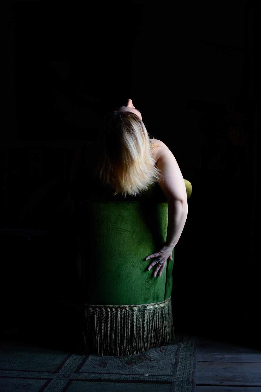 you can't handle me, 2018 Carla de Sousa self portrait, series: the green room