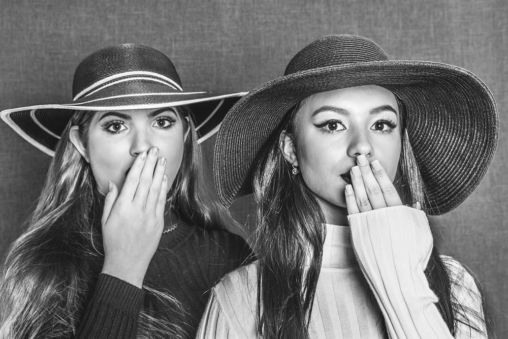 Models: Grace Oenbrink and Sayuri Omura MUA: Karyna Omura Title: Complicité
