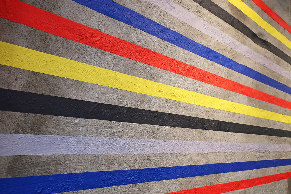 A project in 2017 at De Rode Winkel, the oldest denim / jeans store in Utrecht, Netherlands to celebrate the start of Dutch art movement 'De Stijl' 100 years earlier. The tape installation was part of a greater project called 'De Stijl In De Stad' for which Haendehoch! also curated several large scale murals in the city of Utrecht.