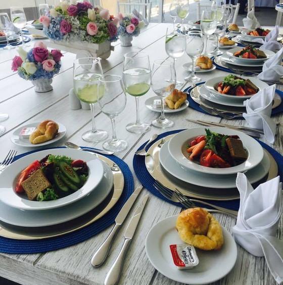 Servicio de catering: social · empresarial y cultural