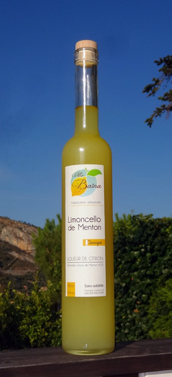 Limoncello of lemons of Menton
