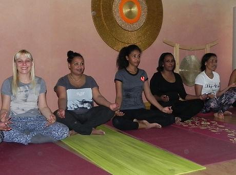yoga%20magazin%20c_edited.jpg