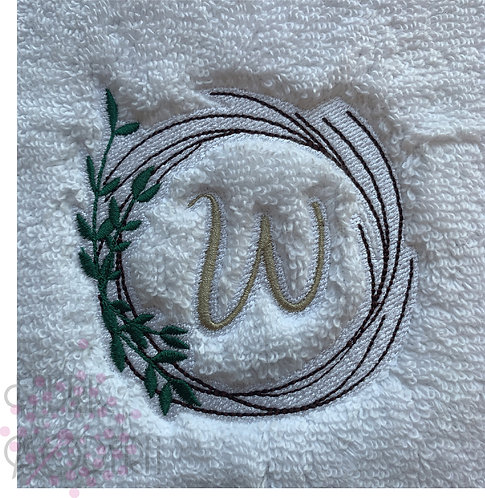 MONOGRAM WREATH for towels, complete with letters 1028P-4