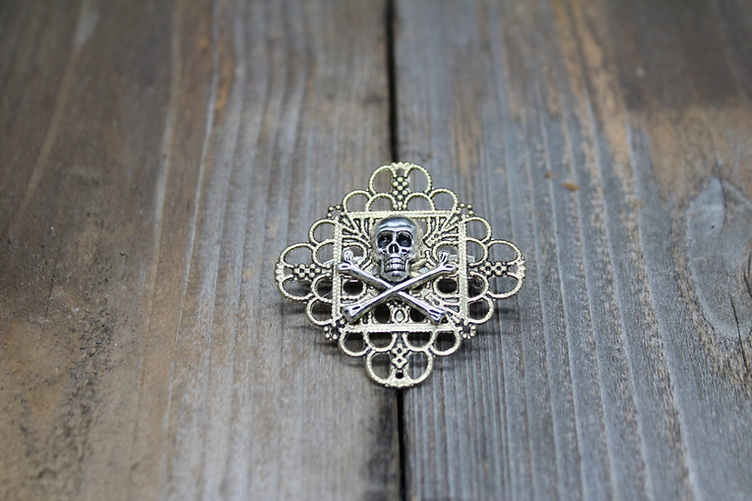 Skull N Bones Square Filigree Pin - Brass
