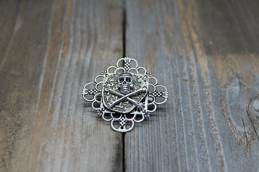 Skull N Bones Square Filigree Coin Pin