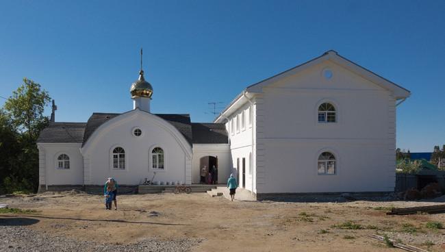 Завершена внешняя отделка храма