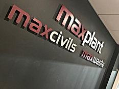 maxplant stand off.jpg