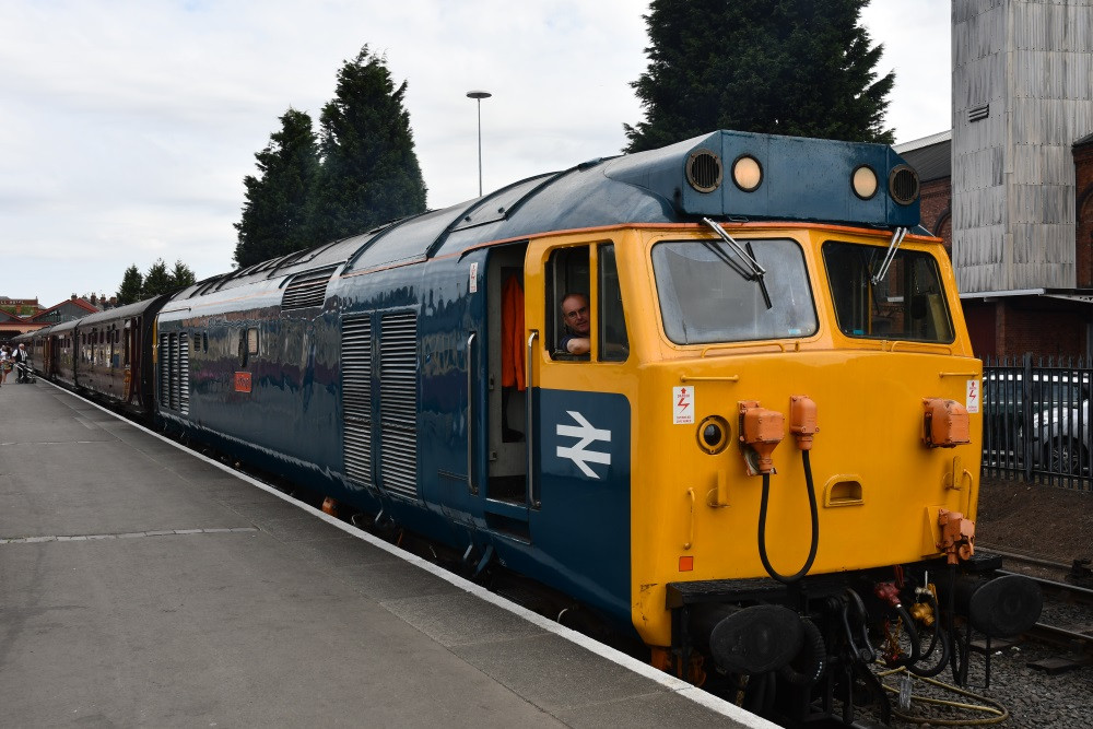 Class 50 on the 10:15