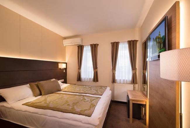 Hotel Honti szobabútor