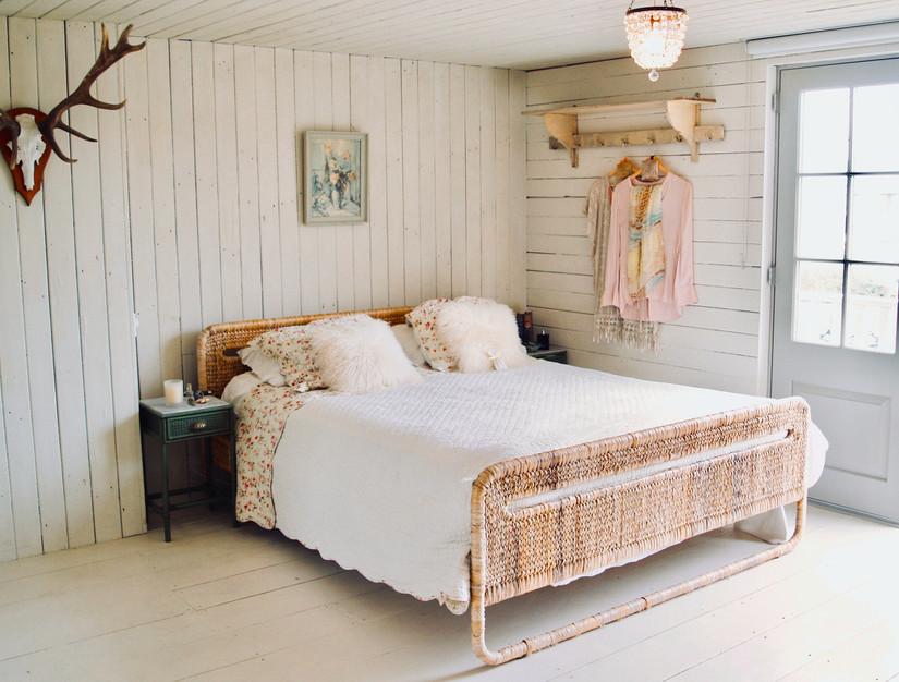 bedroom 1 e.jpg