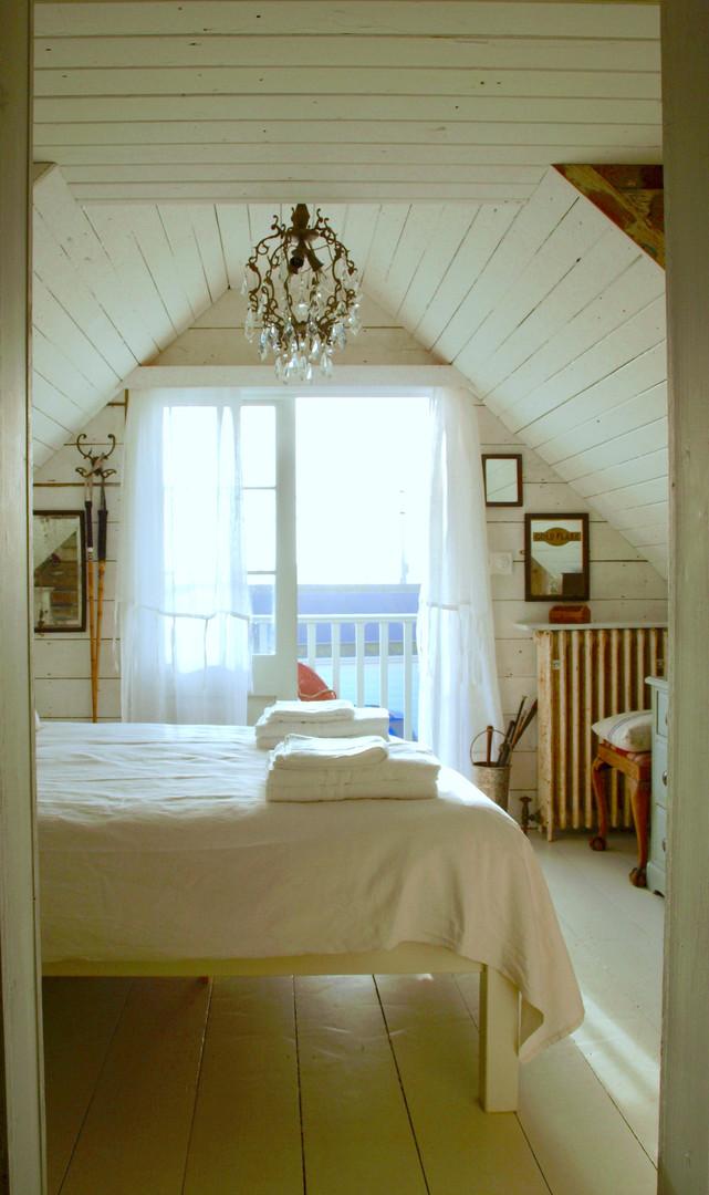 bed 2 a.jpg
