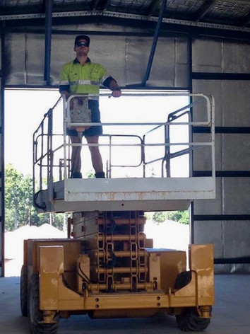 Experience in operating scissor lifts & machinery