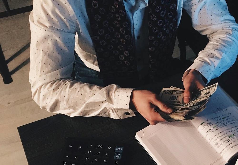Employee making or losing money