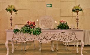 Decoración de mesa principal.