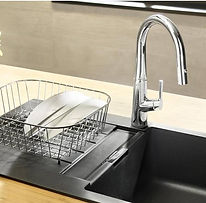 syra-faucet-kitchen_984x550_acf_cropped.