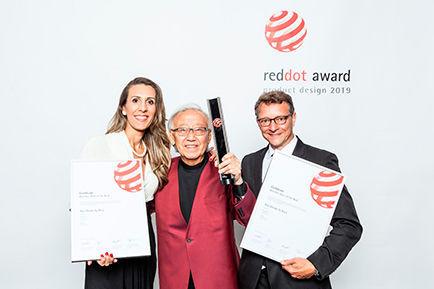 red-dot-award-gal-art.jpg