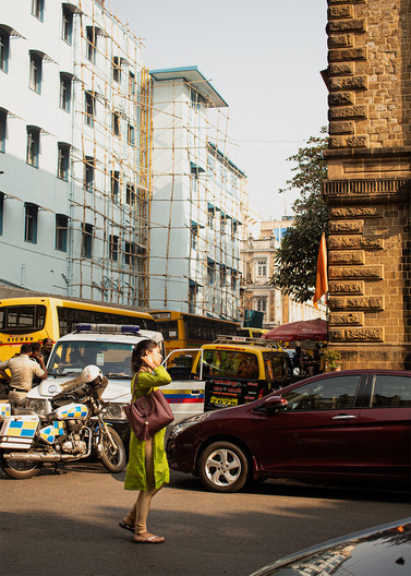 Woman on street   Mumbai