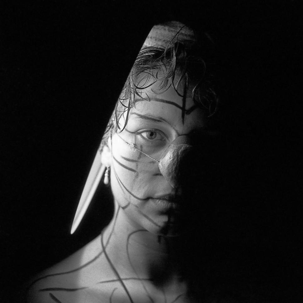 . Mika . 1982 .
