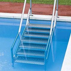 escalier-inoxydable-piscine.jpg