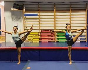 Maya et Yasmine.jpg