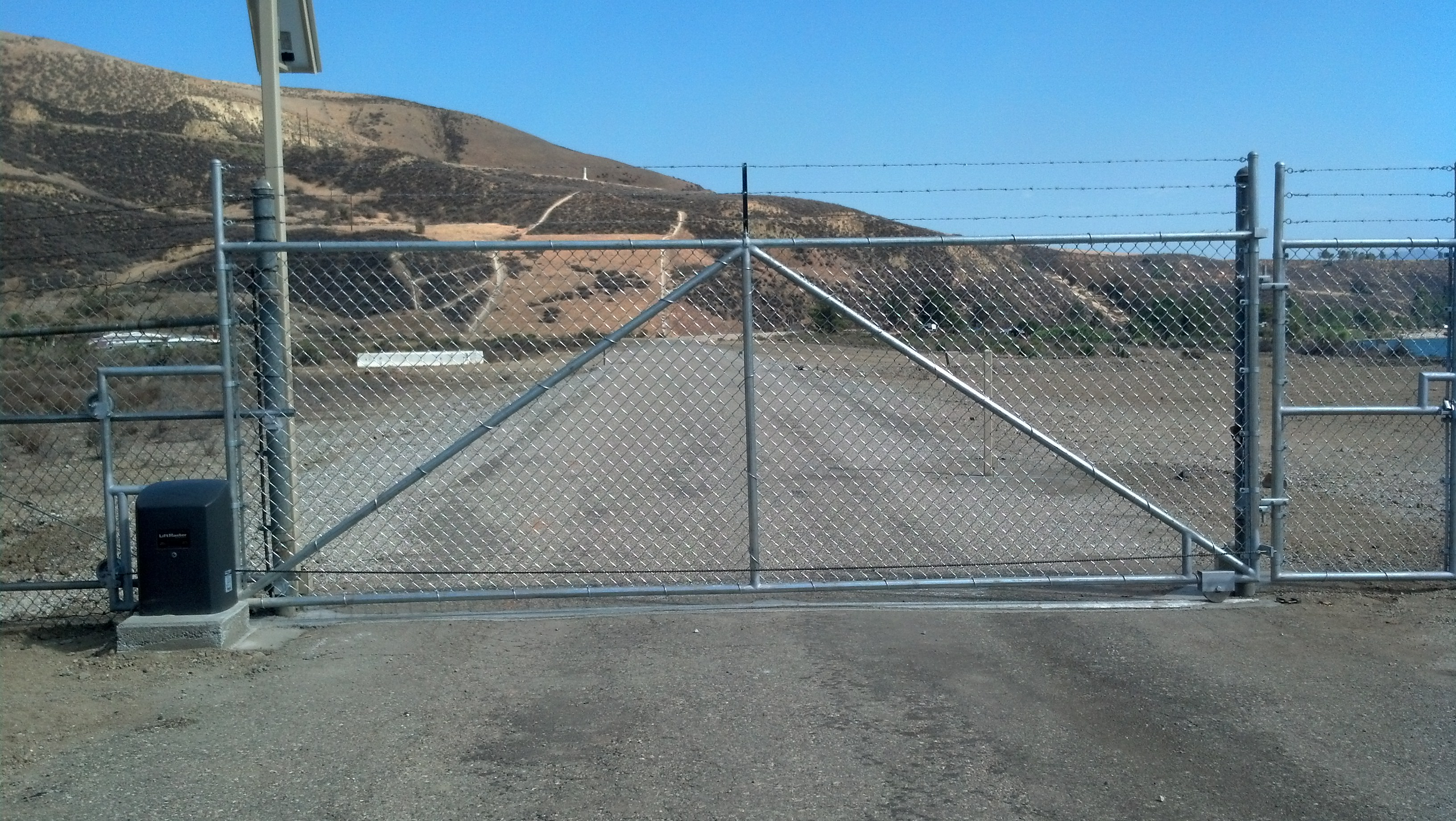 Chain link Gate With Gate Opener