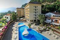hotel-conca-park-gardens-and-pool-01.jpg