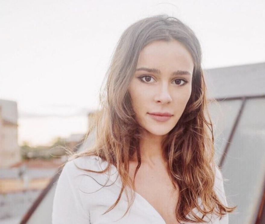 "Bella Dayne portrays Anna Delvey in ""Fake Heiress."" (Photo: Bella Dayne Instagram)"