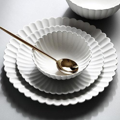 Chrysanthemum Shape Plate Bowl.