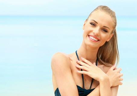 TIPS TO PROTECT YOUR HAIR IN THE SUN