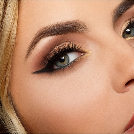 EYELASH EXTENSIONS – A HOLIDAY MUST HAVE!