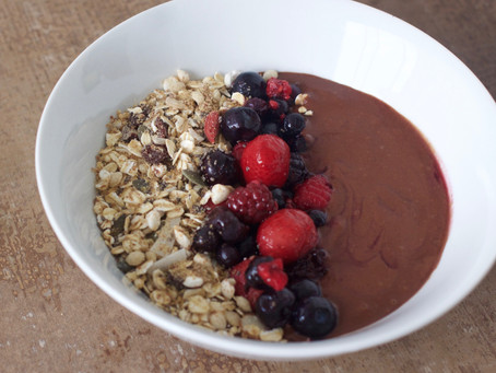 Chocolate Smoothie Breakfast Bowl