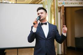 Ведущий на юбилей Алексей Авдонин в легендарном ресторане Яръ
