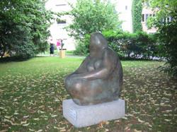 Weiblich 60x50x80cm Bronze