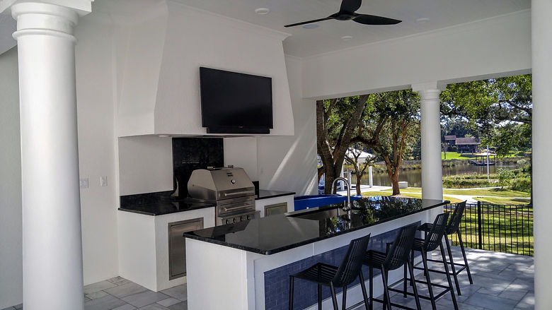 Outdoor TV install by Streamline Tech