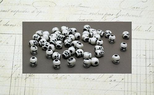 Plastic Skull Beads 50 pk