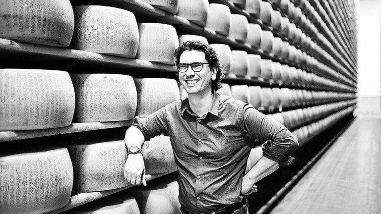 【満員御礼・終了】《第2回》日伊協会イタリアワイン文化講座 パルミジャーノ・レッジャーノ協会共催 ~チーズの王様 パルミジャーノ・レッジャーノを3倍楽しむ方法~