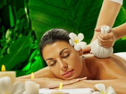 massage-thai-plantes-medecinales-1