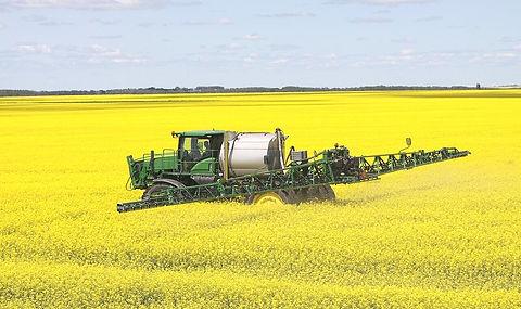 Maggrow Sprayer in field