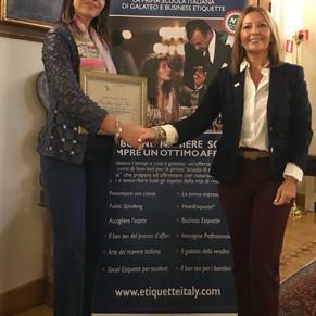 Festeggiamo un nuovo consulente certificato Etiquette Italy!