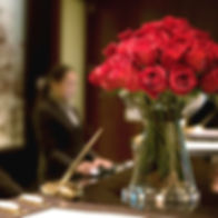 signature-amenities-concierge-flowers-de