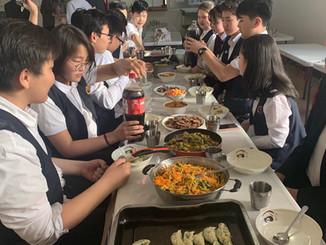 Хятадын үндэсний хоолтой танилцах хичээл зохиогдлоо
