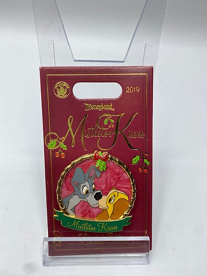 Lady and the Tramp Mistletoe Kisses LE 2000 DLR WDW Pin Christmas Holiday