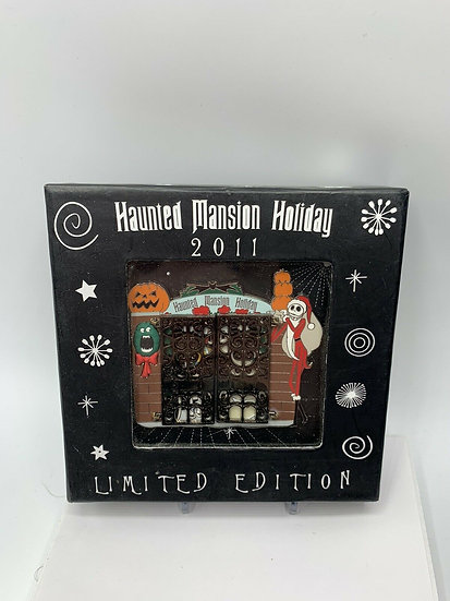Nightmare Before Christmas Haunted Mansion Holiday LE 500 Jumbo Pin DLR