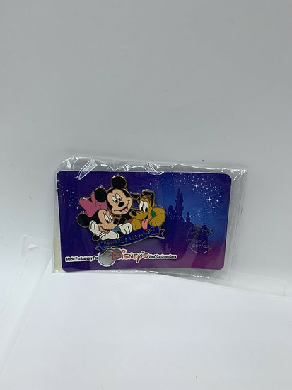 Visa Cardmembers Mickey Minnie Mouse & Pluto Pin The Rewards are Magic