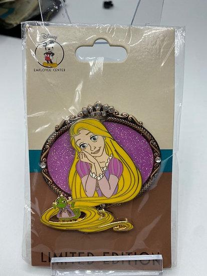 Rapunzel & Pascal DEC Princess Pals LE 200 Pin Best Friends Tangled