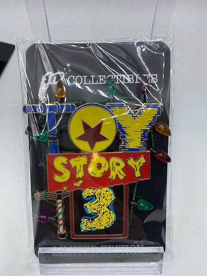 Toy Story 3 Woody's Logo LE 300 Pin DSF DSSH Pixar Christmas Lights