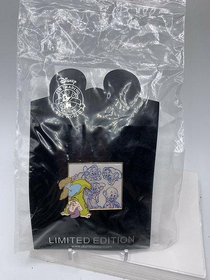 Dopey Sketch Series LE 250 Pin Snow White Seven Dwarfs Shopping Store