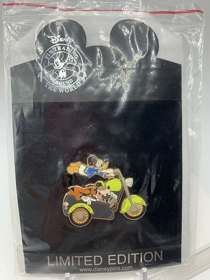 Donald Duck and Goofy Shopping Store Motorcycle Series LE 250 Pin