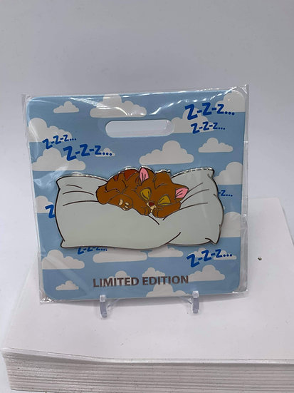 Oliver Cat Nap WDI D23 LE 300 Pin Oliver and Company